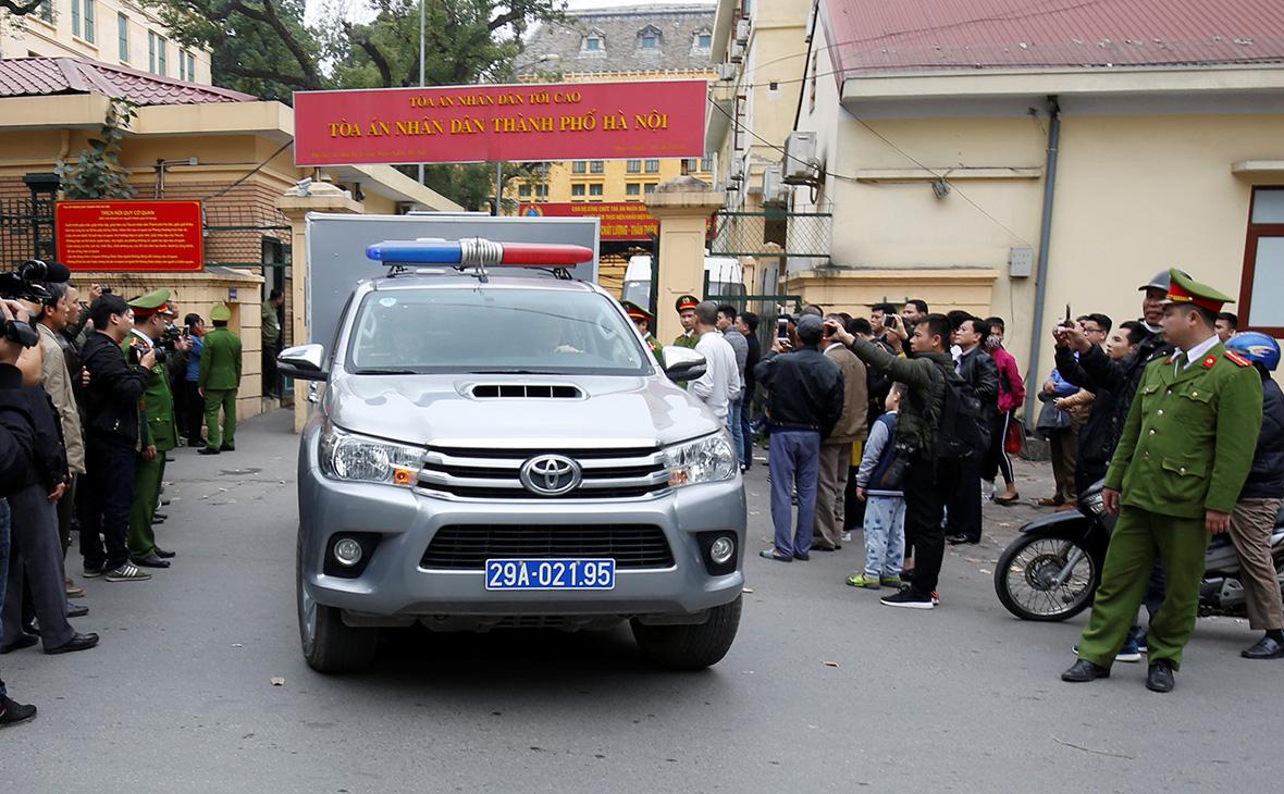 Бывшие топ-менеджеры PetroVietnam получили сроки за коррупцию
