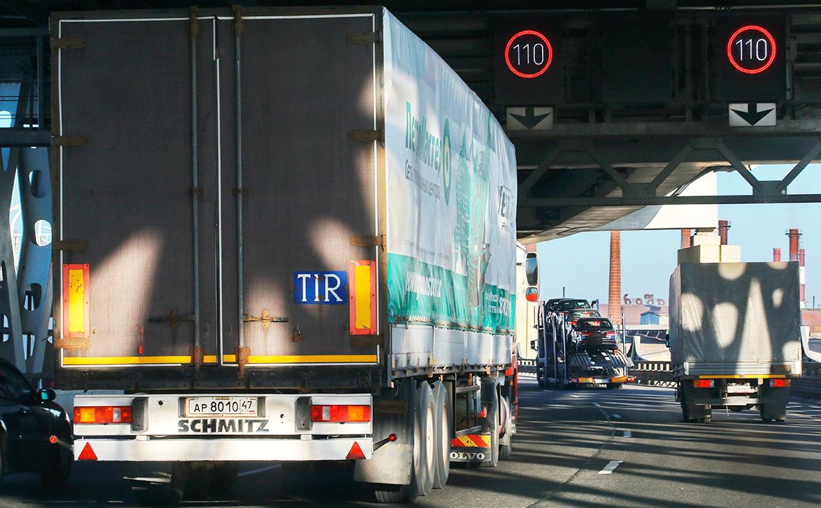 Ткачев предложил изымать перевозящие «санкционку» машины