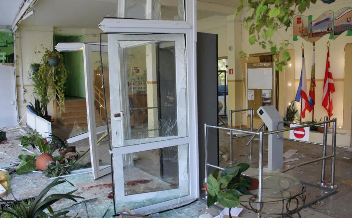 Опубликованы фотографии последствий нападения на колледж в Керчи