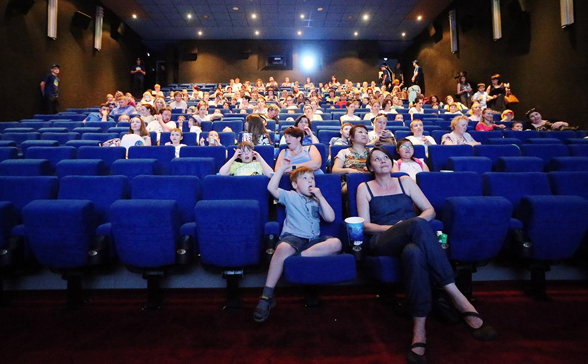 Министерство культуры предложило пускать в театры и в кино по паспорту