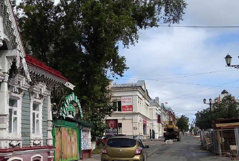 На пешеходную улицу в Перми пустили «успокоенные» автомобили