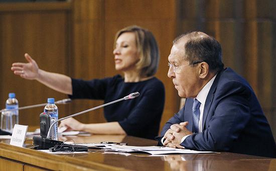 Лавров сообщил о переодетых женщинами дипломатах США на митингах в России