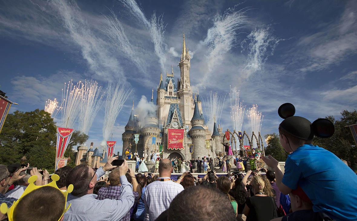 Walt Disney выплатит своим сотрудникам по $1000 из-за реформы Трампа