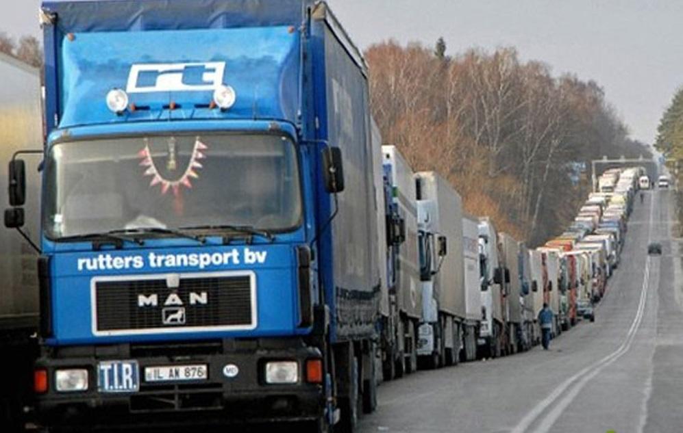 Бизнес потребовал остановить весовой контроль на трассах Урала