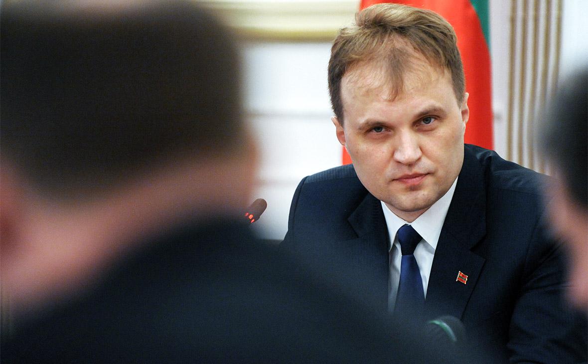 Экс-президент Приднестровья сбежал на лодке в Молдавию