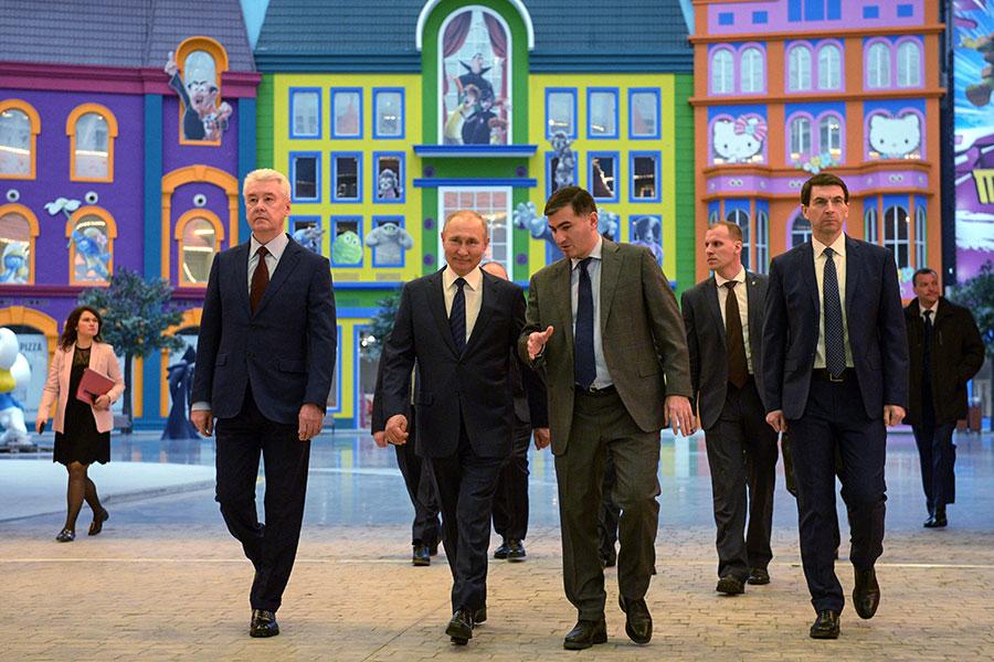 Владимир Путин посетил «московский Диснейленд». Фоторепортаж