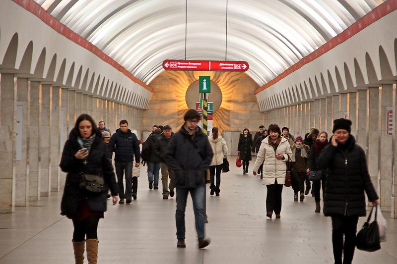 Стали известны сроки закрытия станции метро «Лесная» в Петербурге