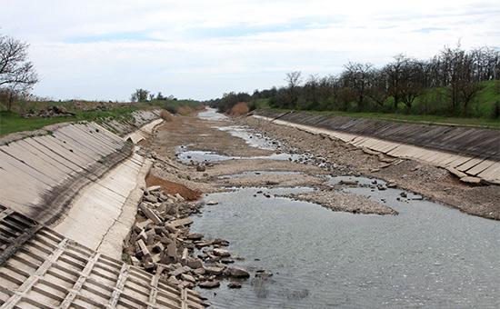Украина установила дамбу для блокирования подачи воды в Крым