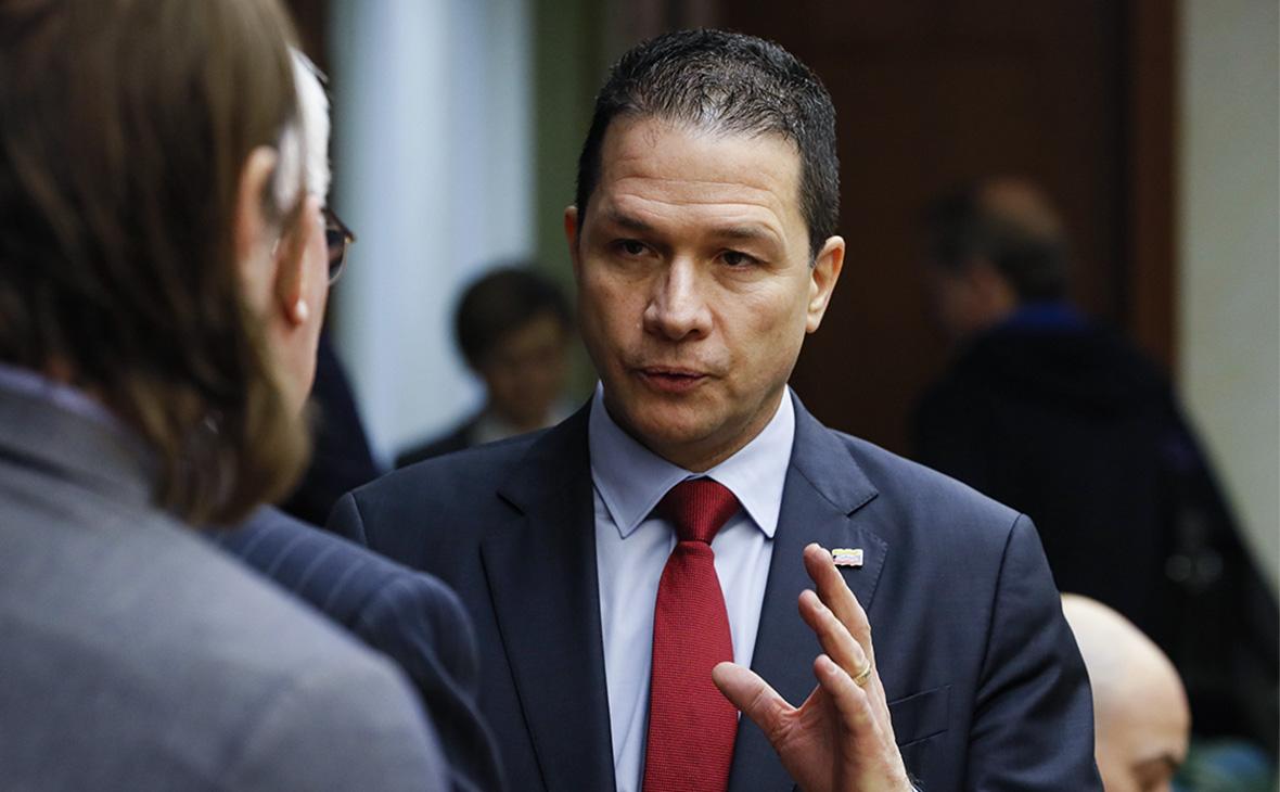 Посол Венесуэлы в России назвал Гуаидо завербованной марионеткой США photo