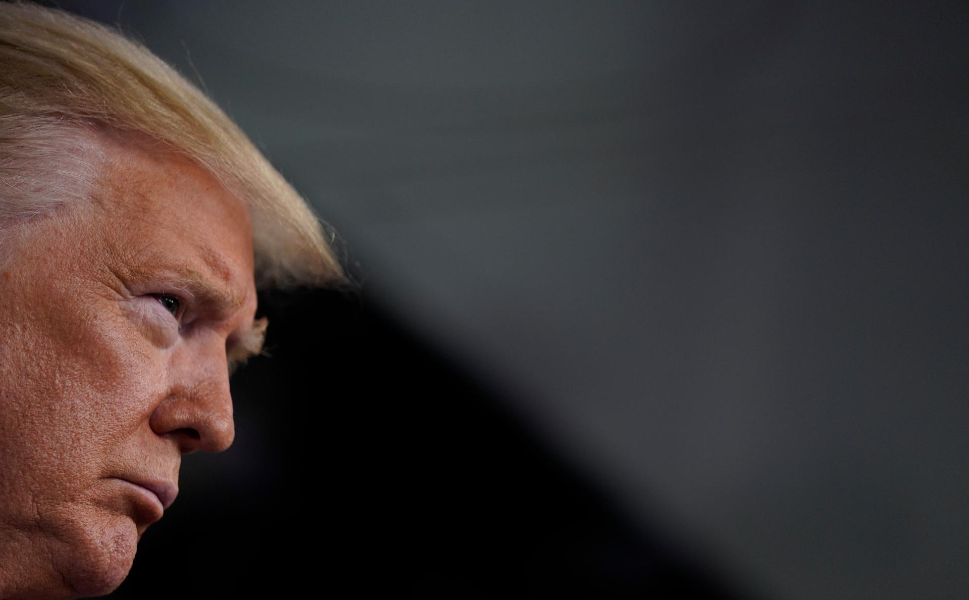 Трамп подписал закон времен Корейской войны для борьбы с коронавирусом