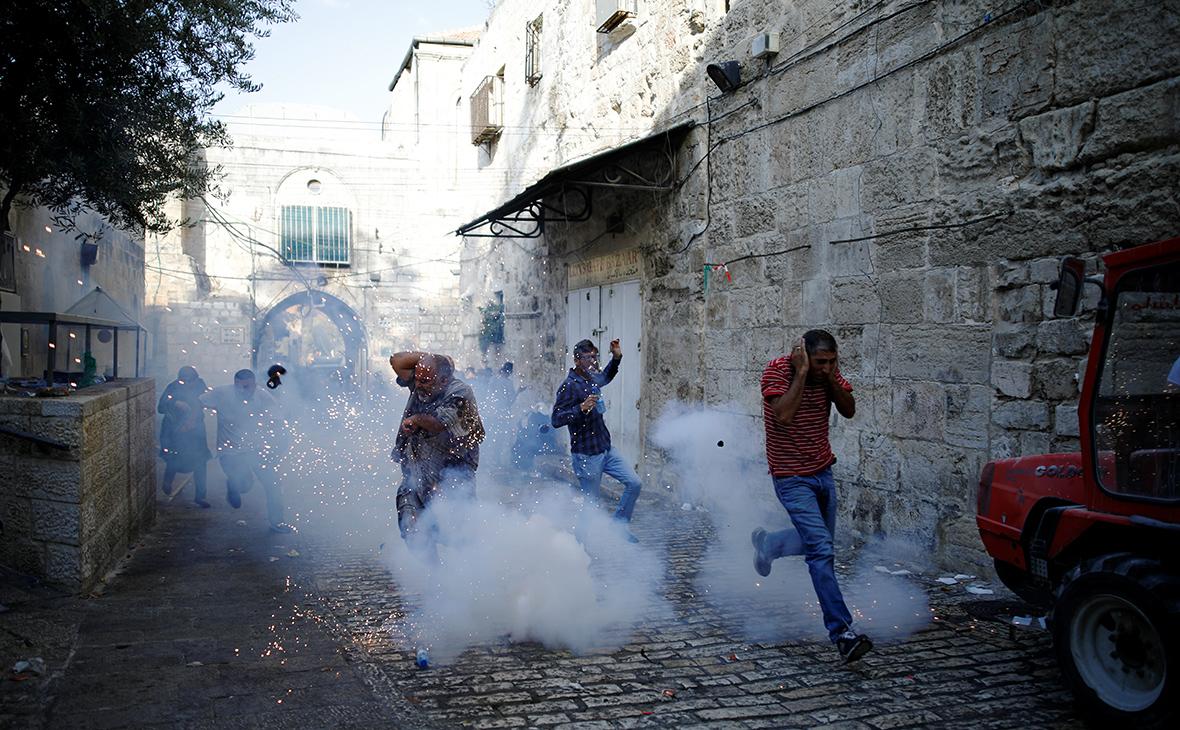 В Иерусалиме в столкновениях с полицией пострадали около 100 человек