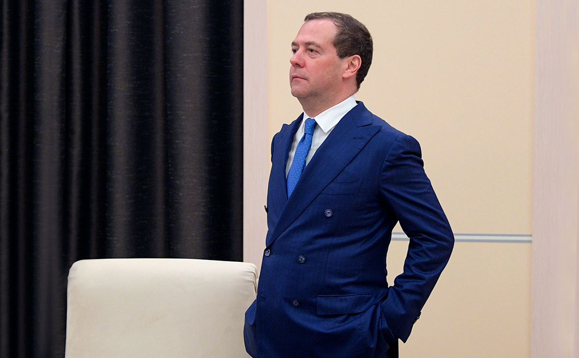 Медведев перечислил допустимые поправки к Конституции