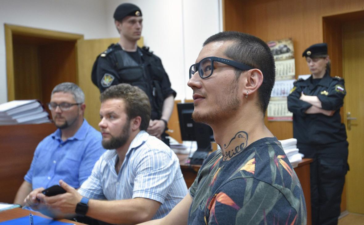 Суд приостановил депортацию журналиста «Новой газеты» Али Феруза