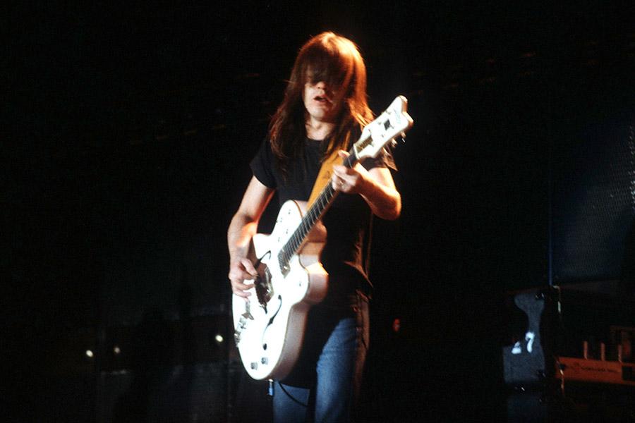 Умер сооснователь группы AC/DC Малькольм Янг