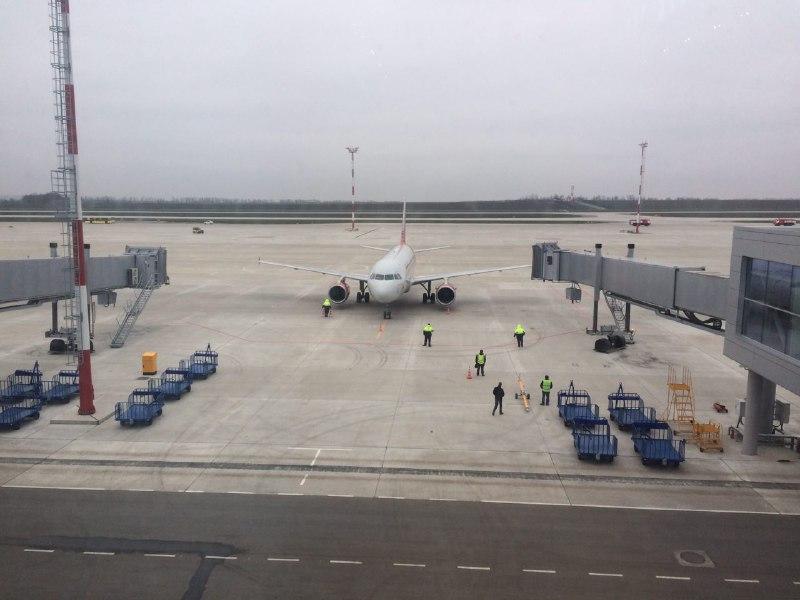 В ростовском аэропорту «Платов» приземлились первые пассажирские рейсы