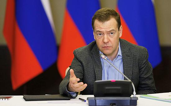 Медведев заявил о необходимости избежать коллапса в РАН