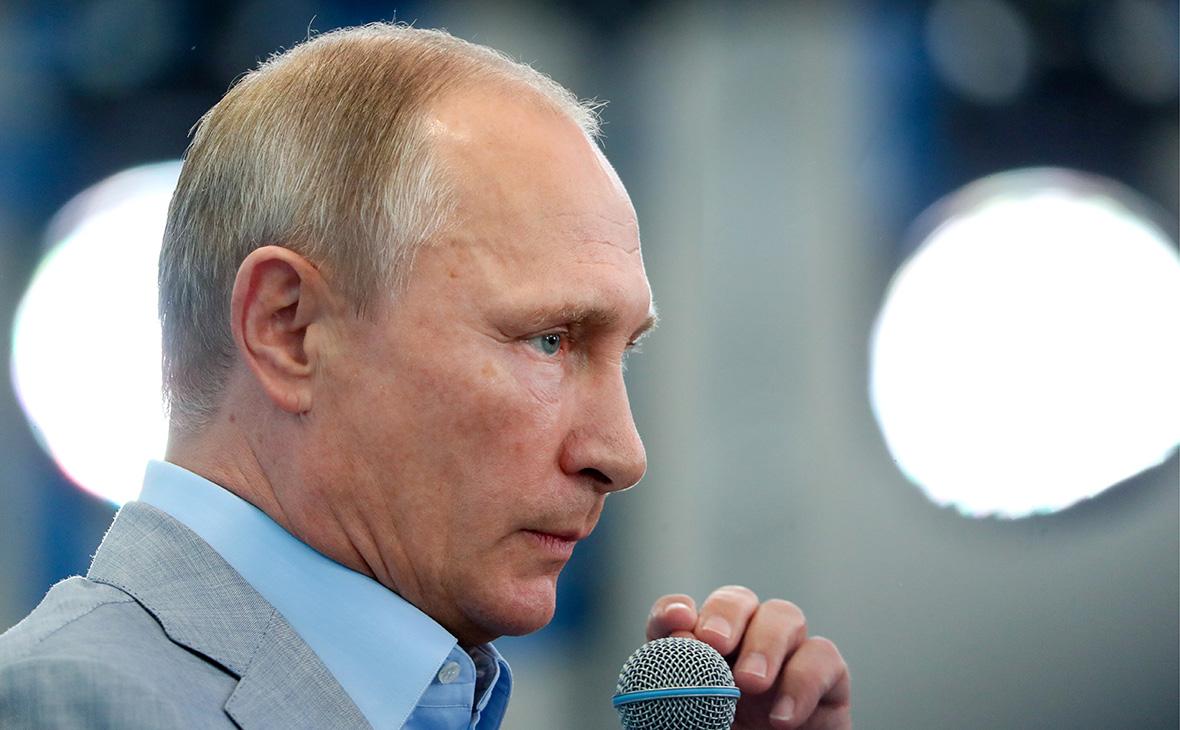 Путин примет одиннадцать уволенных им губернаторов