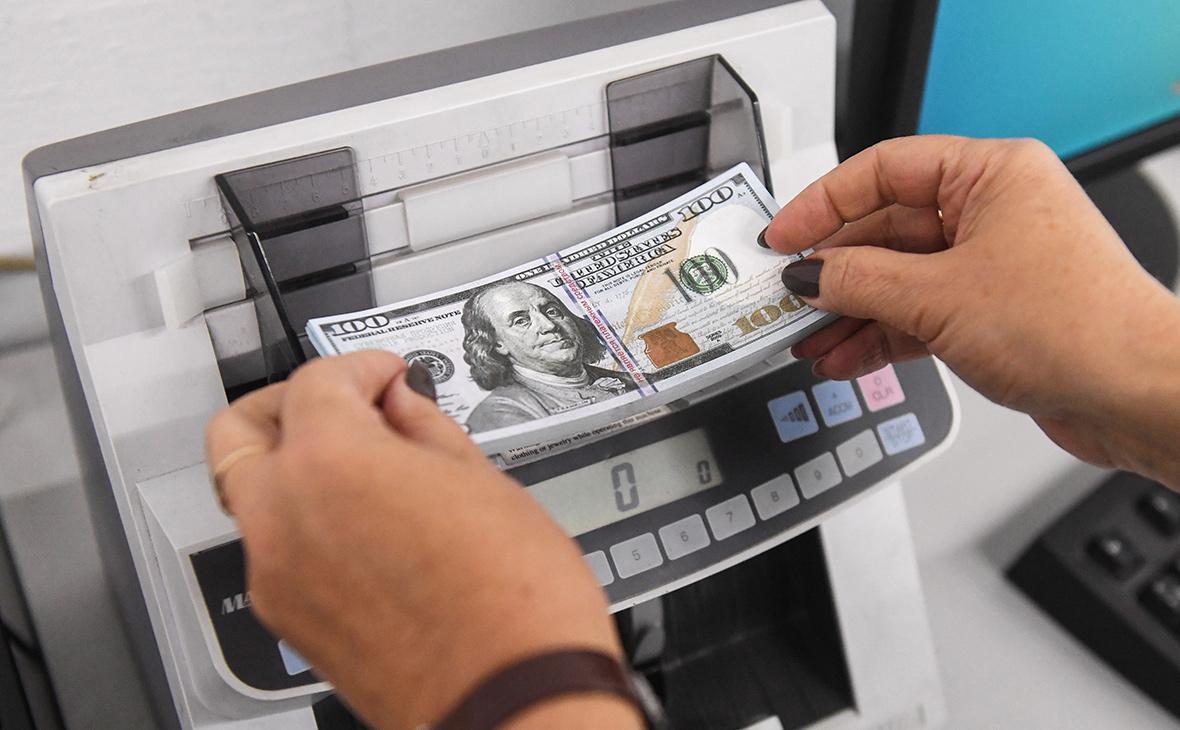 ЦБ возобновил закупки валюты после перерыва из-за обвала рубля
