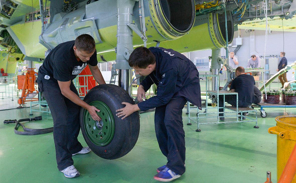 Дивиденды «Роснефтегаза» направят на поддержку авиастроения