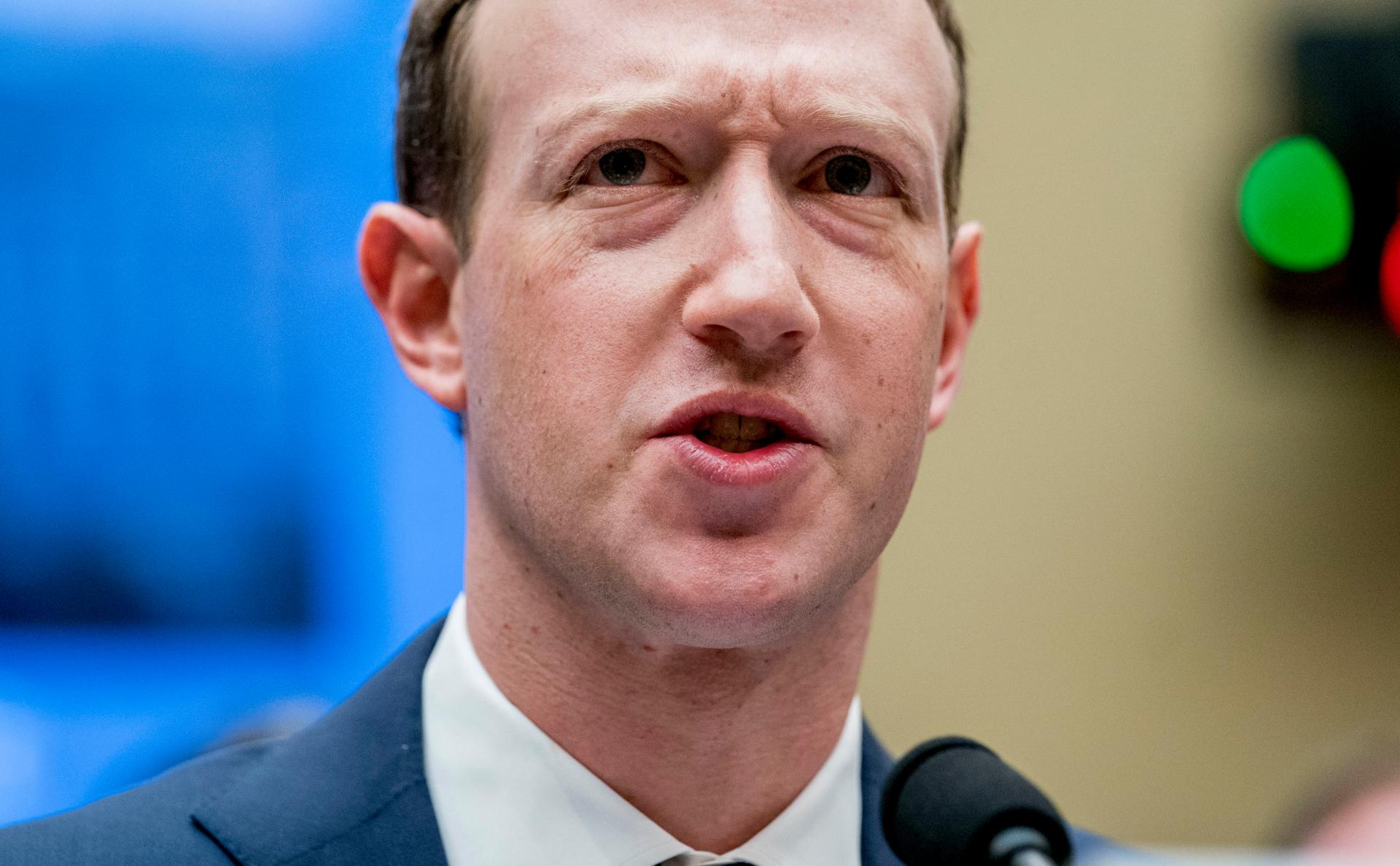 Bloomberg оценил потери богатейших людей мира за год photo