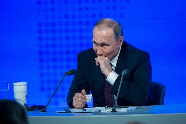 Журналист из ХМАО попросила у Путина автограф