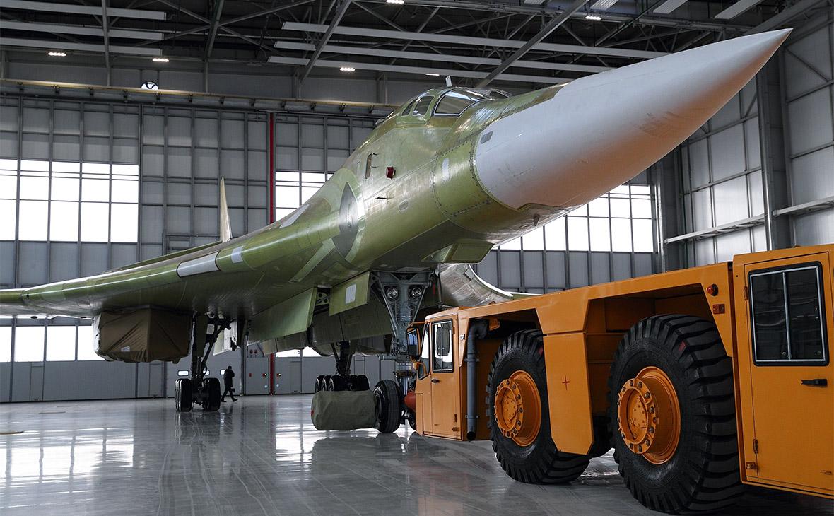 Производитель показал первый модернизированный Ту-160