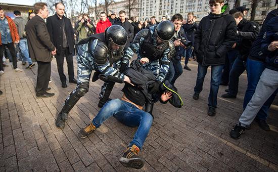 Правозащитники заявили опытках вотношениизадержанных наакции вМоскве
