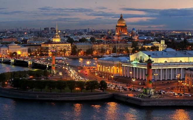 Петербург за пять минут: пылевые бури и наследие Стругацких