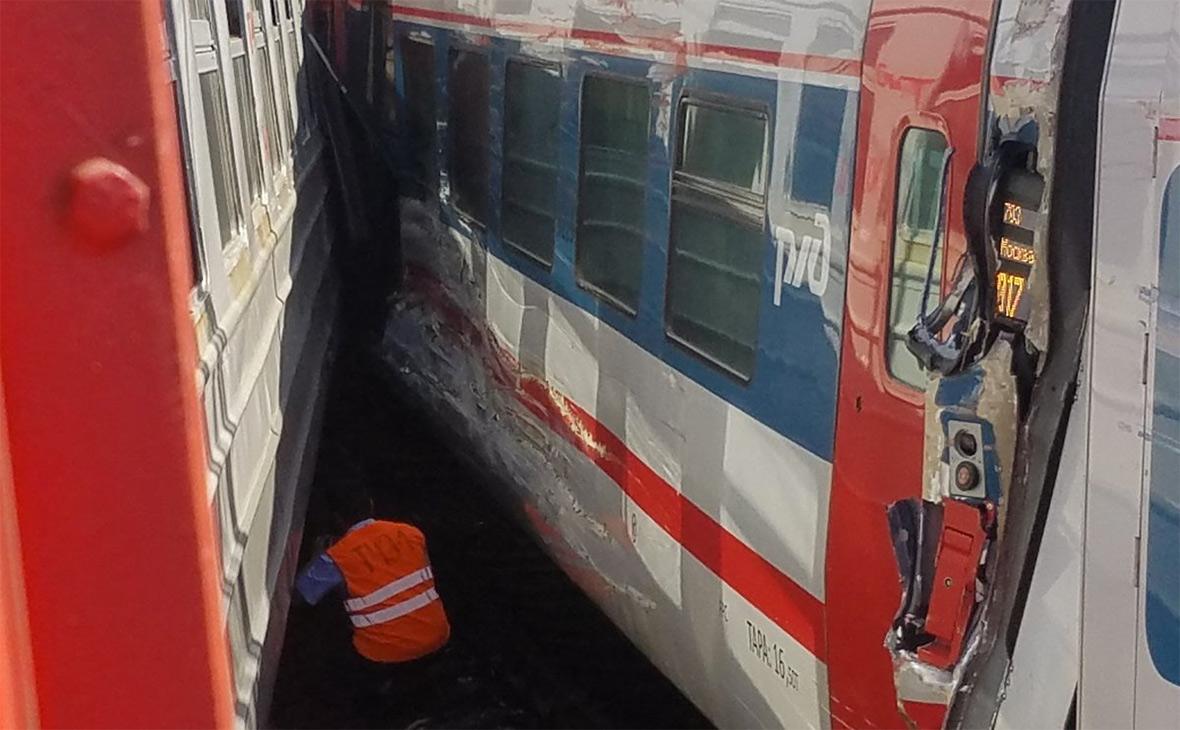 «Стриж» столкнулся с электричкой рядом с Курским вокзалом в Москве