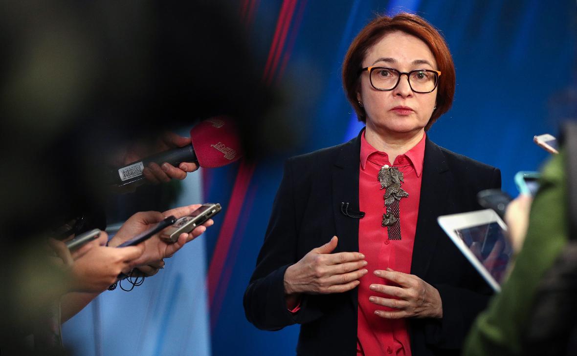 Замах на рубль: почему ЦБ возвращается к закупке валюты на открытом рынке