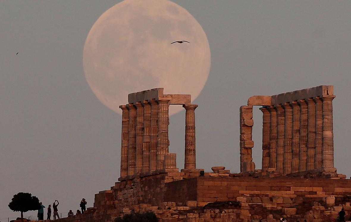 МВФ одобрил новый кредит Греции в размере $1,8 млрд