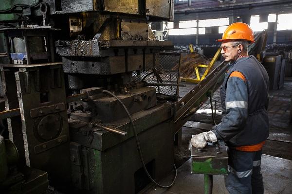 Госинспекция вернула на тюменский завод 500 рабочих