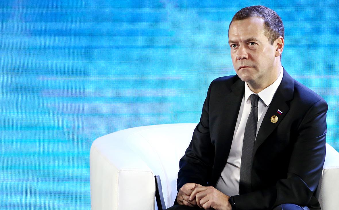 Медведев обвинил США в намерении похоронить «Северный поток-2»