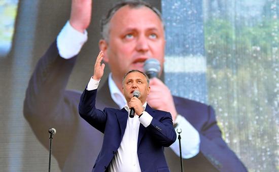 Президент Молдавии решил провести референдум орасширении своих прав