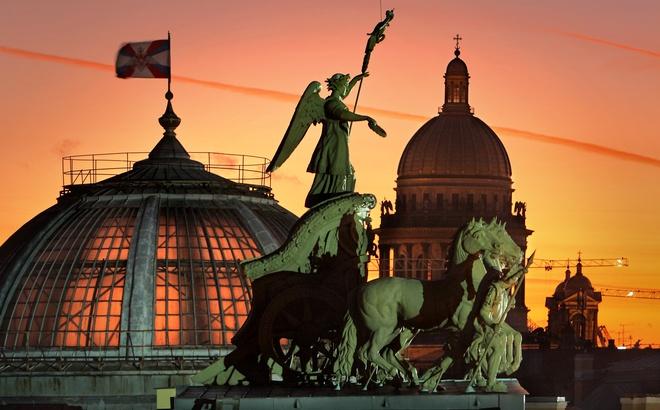 Петербург за пять минут: мечта чиновника и новые станции метро