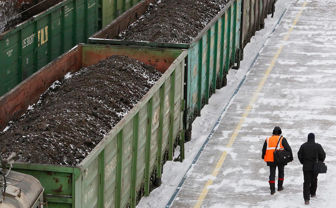Киев снял санкции с российского поставщика угля на Украину