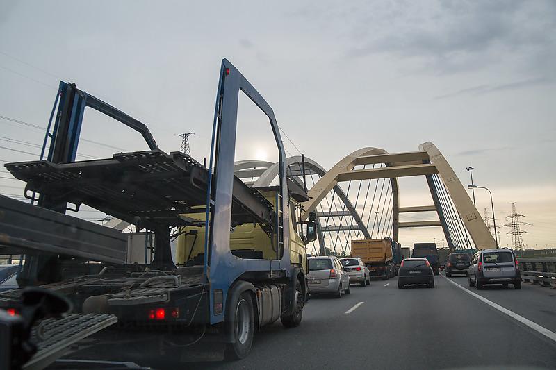 В Петербурге закроют на полтора месяца один из участков КАД