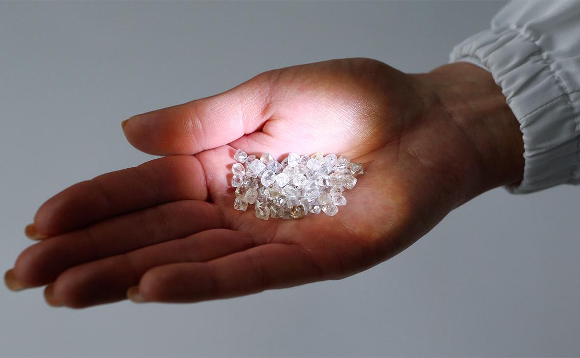 Экспортер алмазов потерял 10 млрд руб. из-за счета в рухнувшем банке