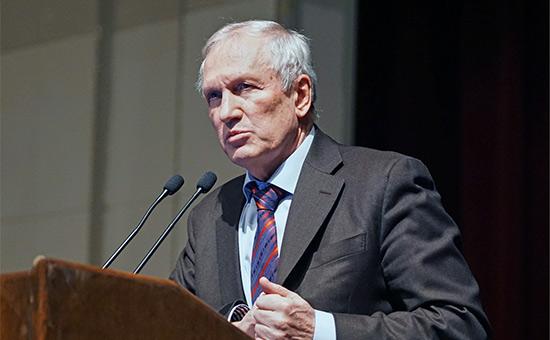 Медведев назначил академика Козлова временным главой РАН