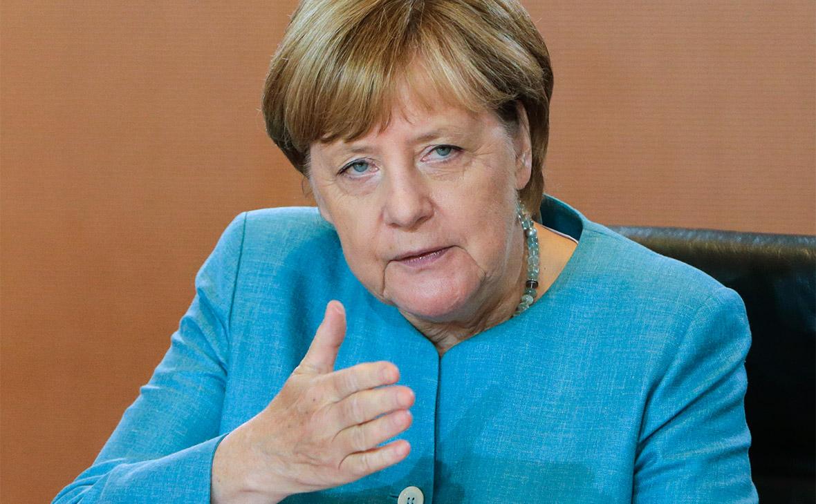Меркель назвала ненормальным выдвижение Шрёдера в директора «Роснефти»