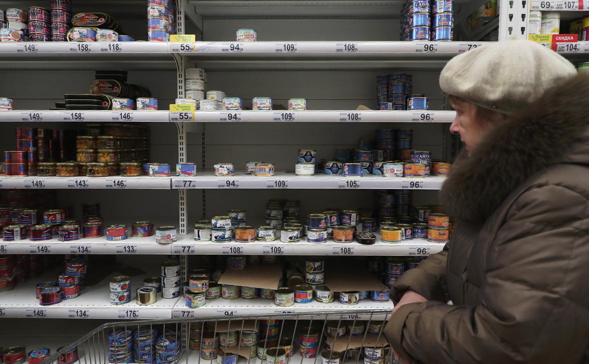 В России вырос спрос на крупы и консервы на фоне коронавируса