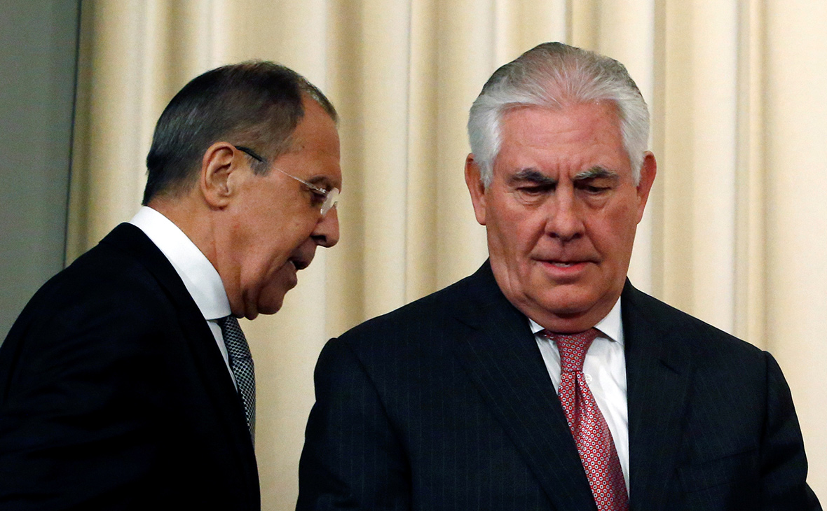 Лавров потребовал от Тиллерсона прекратить вербовку журналистов из России