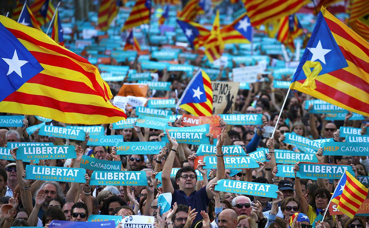 В Каталонии отказались признать решение Мадрида о приостановке автономии