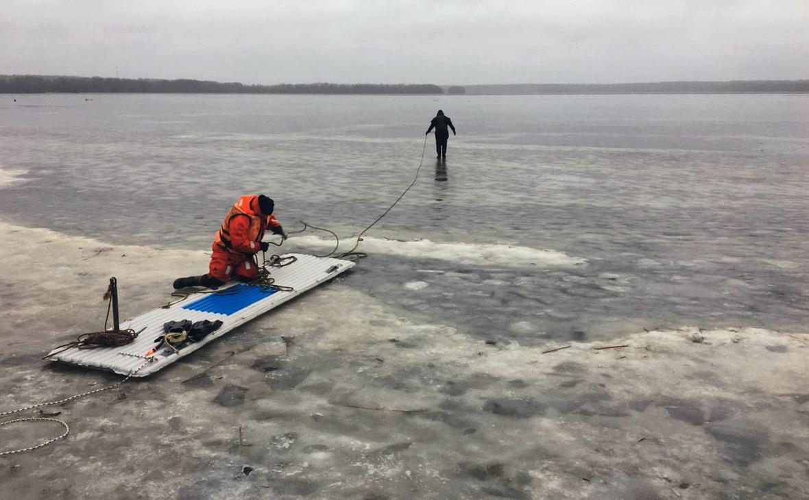 Трое рыбаков утонули в Ленинградской области