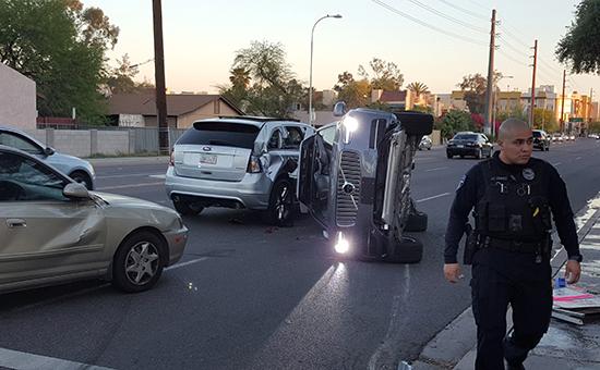 Uber остановил испытания беспилотных такси после ДТП в Аризоне