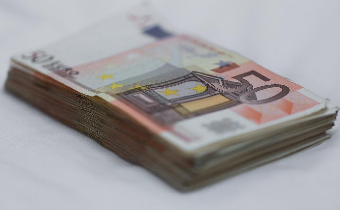 Следователя МВД заподозрили в получении взятки «куклой» на €500 тыс.