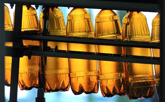 С января 2017 года запрещено производство и продажа оптом алкоголя в пластиковой таре более 1,5 литров.