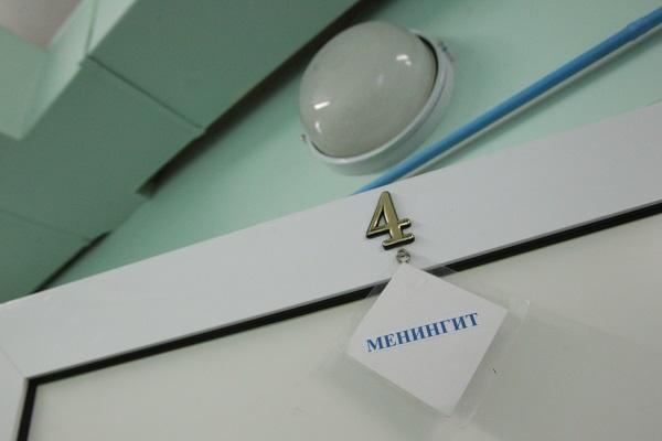 В Тюмени назвали причины массового заболевания менингитом
