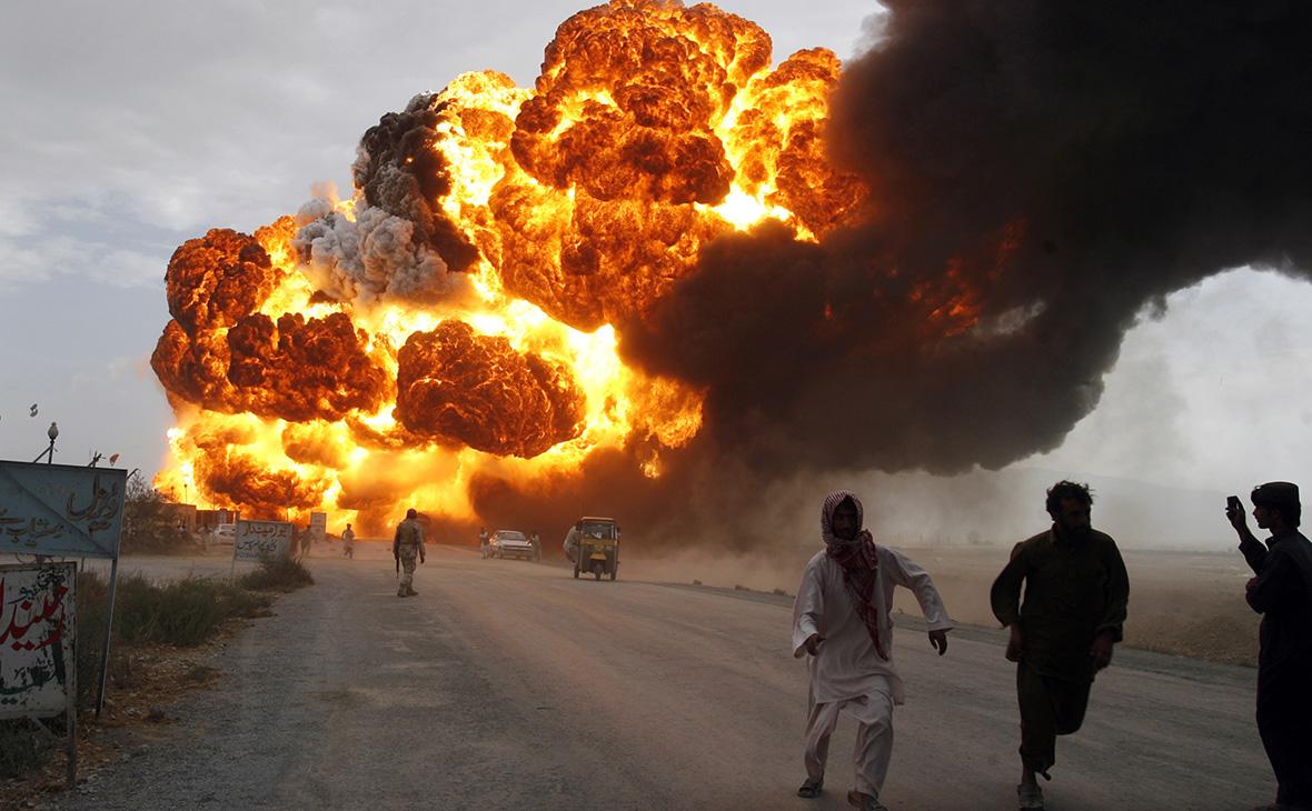 Жертвами взрыва цистерны с топливом в Пакистане стали более 123 человек