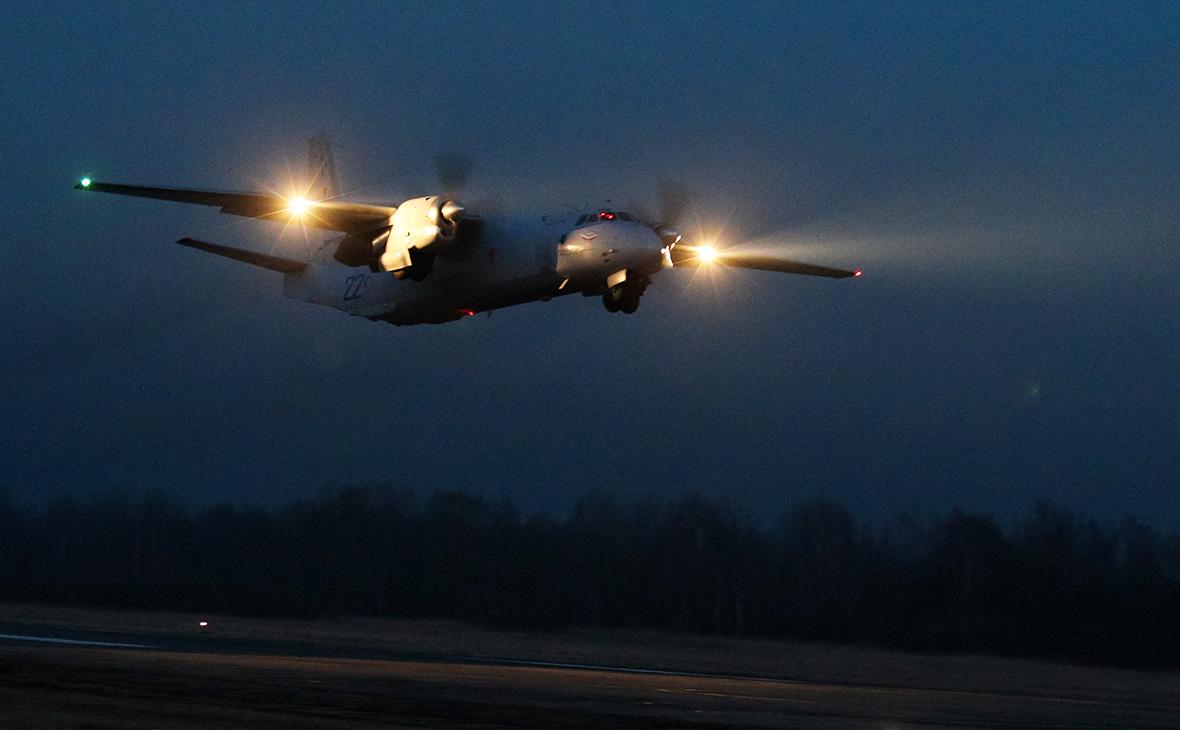 Самолет Ан-26 совершил вынужденную посадку в Якутии